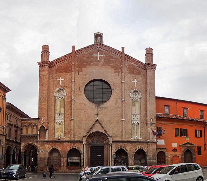 http://www.italiavirtualtour.it/virtual_tours/emilia_romagna/bologna/vt/chiesa_san_giacomo_maggiore/images/pano_facciata.jpg