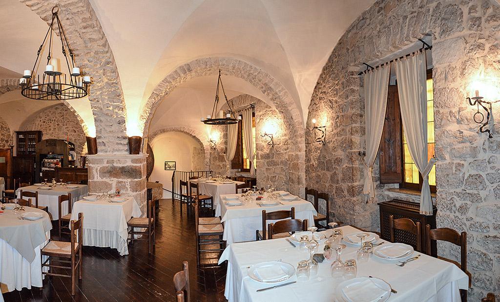 Foto: Particolare della Sala da Pranzo - Ristorante Il Frantoio (Acuto ...