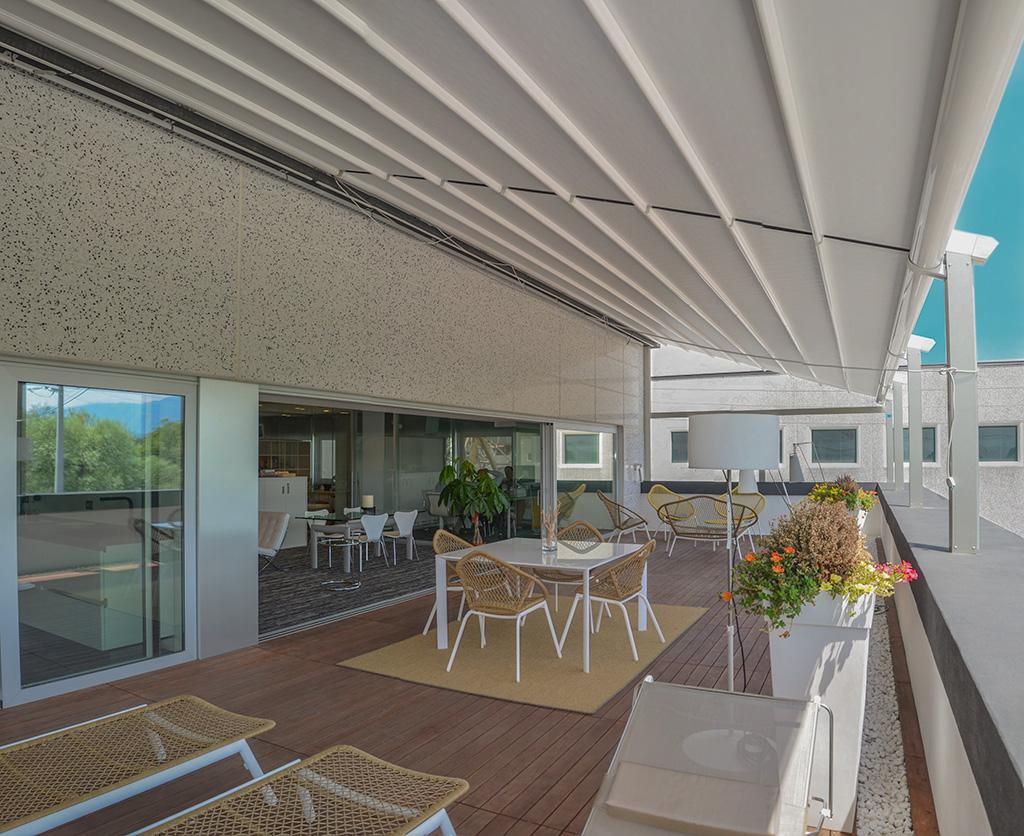 grafitec s.r.l - arredamento per uffici - la terrazza e l'esterno ... - Arredamento Terrazzo Esterno